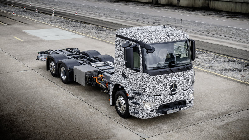 Mercedes Urban eTruck beats Tesla to the punch thumbnail