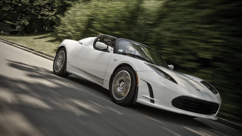 $29k Tesla Roadster upgrade allows for 340 miles on a charge thumbnail