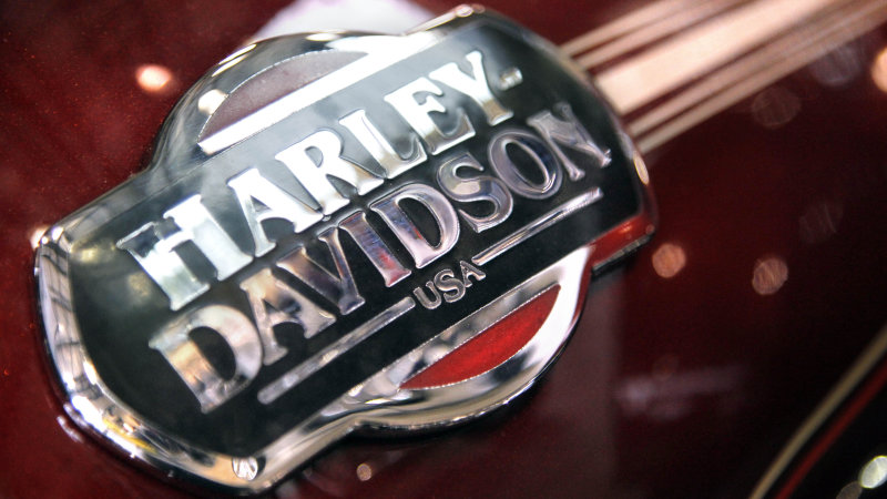 Harley will pay a $15 million fine over engine tuners that defeat emissions controls thumbnail