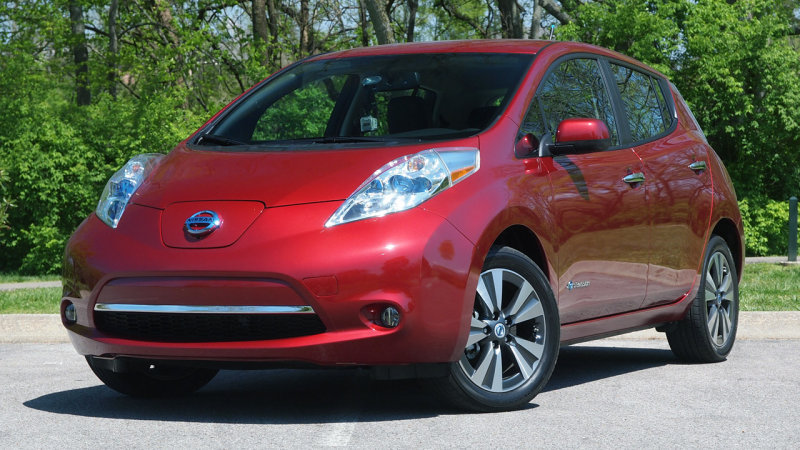 Nissan Leaf group buy in Montreal grows to 2,800 people thumbnail