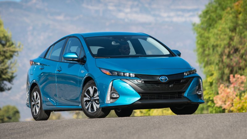 Toyota: Every future Prius might be a plug-in hybrid thumbnail