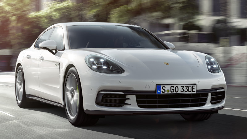 Porsche Panamera 4 E-Hybrid has 462 hp and 516 lb-ft of torque thumbnail