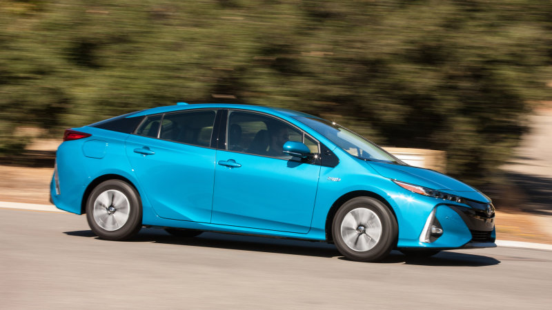 Seriously better | 2017 Toyota Prius Prime First Drive thumbnail