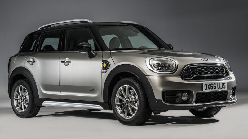 2017 Mini Countryman is even bigger and now has a plug-in model thumbnail