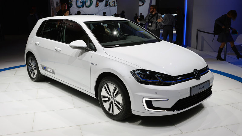 Volkswagen introduces a freshened 2017 e-Golf with a bigger battery thumbnail