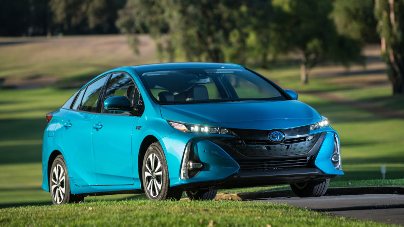 Toyota jumping into electric vehicle mass production by 2020 thumbnail