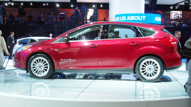 Ford Focus Electric boosts range by 51%, albeit quietly thumbnail