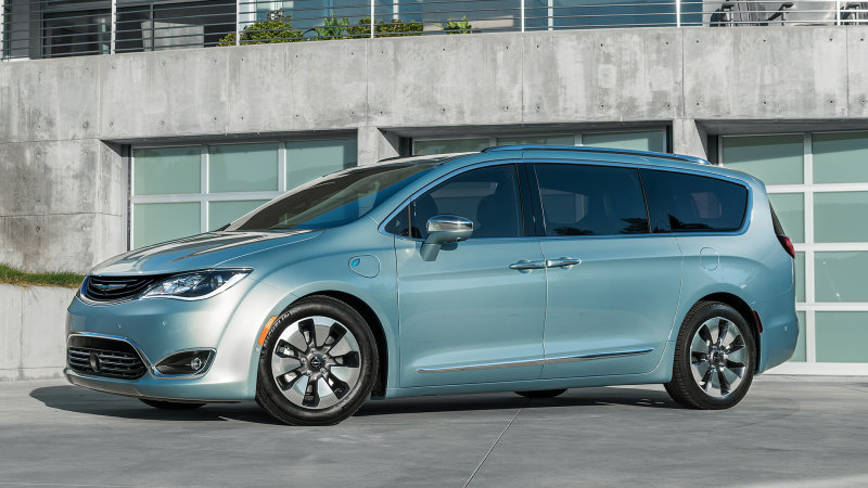 The minivan, reinvented | 2017 Chrysler Pacifica Hybrid First Drive thumbnail
