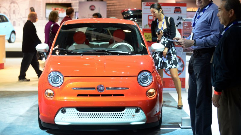 Ultra-cheap Fiat 500e EVs about to hit used car lots thumbnail