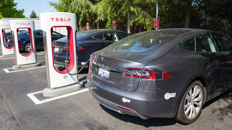 If you're buying a new Tesla, here's how much Supercharging will cost you thumbnail
