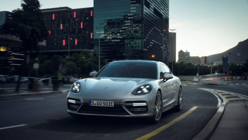 2018 Porsche Panamera Turbo S E-Hybrid pumps out 680 horsepower thumbnail