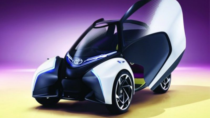 Toyota i-TRIL concept: 3-seat electric leans to the future thumbnail