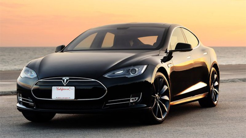 Tesla Model S stripped of Consumer Reports top safety rating thumbnail