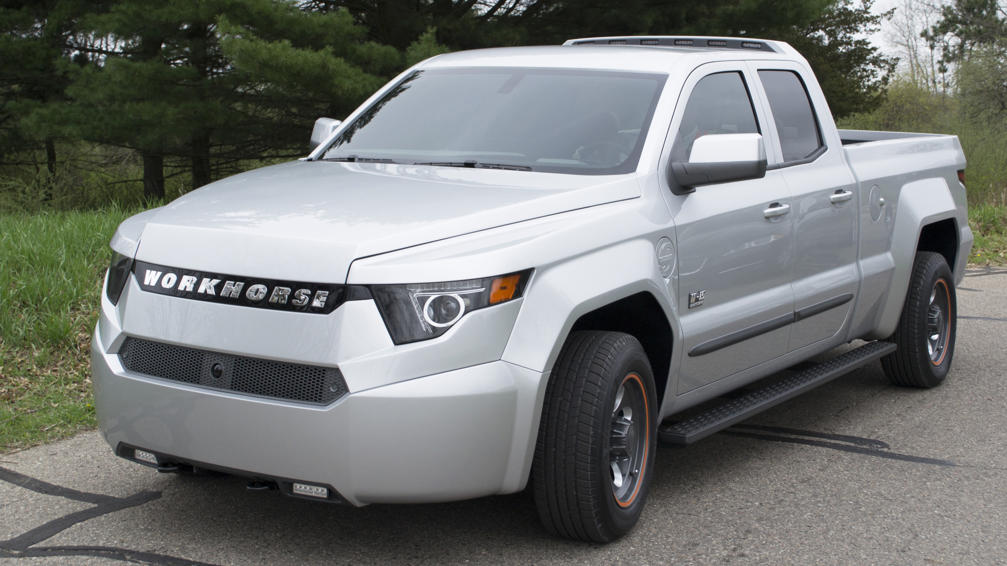 Workhorse W-15 revealed: PHEV pickup with 80-mile range thumbnail